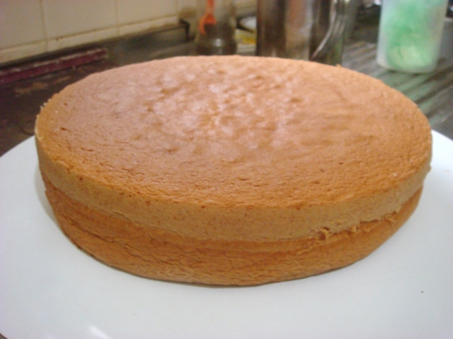 Baking Sponge Cake